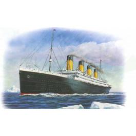 R.M.S Titanic 1/700 Zvezda
